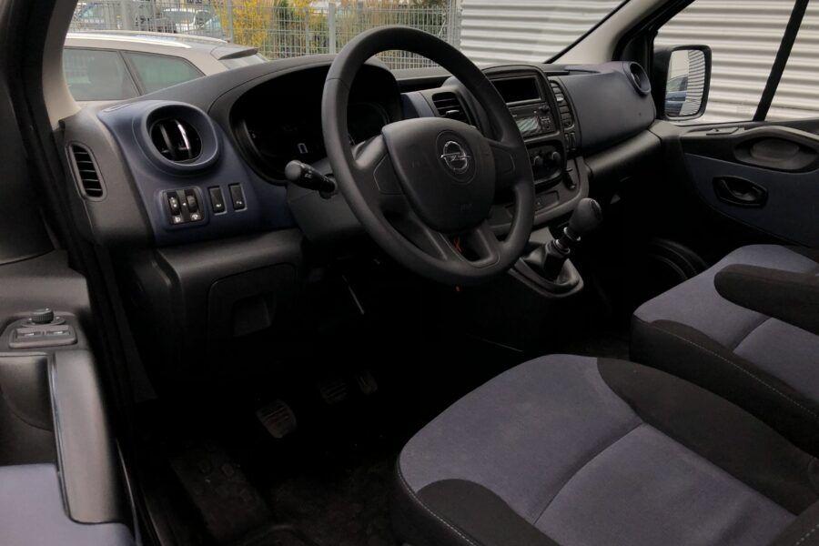 Vivaro 1.6 Bi-Turbo silber 9 Sitze 57Tkm (19)