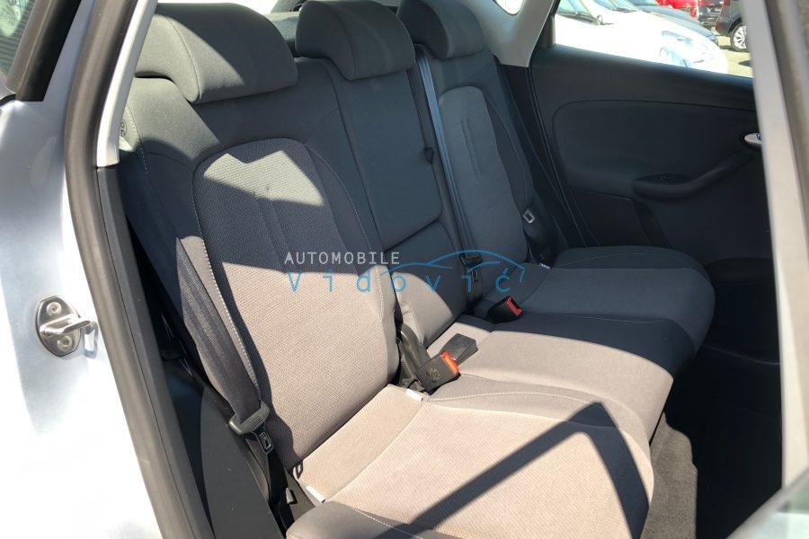 SEAT-Altea-silber-12-900x600